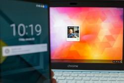 Chromebook wartet auf Entsperren durch Smartphone (Bild: CNET.com)