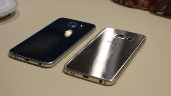 Die Glasrückseiten der neuen Smartphones sind sehr anfällig für Fingerabdrücke (Bild: CNET.de).