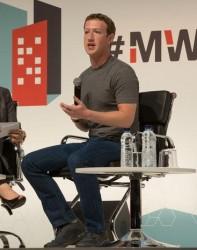 Mark Zuckerberg auf dem MWC 2015 (Bild: News.com)