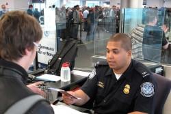 Grenzkontrolle (Bild: Customs & Border Protection/Flickr)