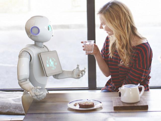 Pepper erkennt menschliche Emotionen und reagiert auf sie (Bild: Softbank).