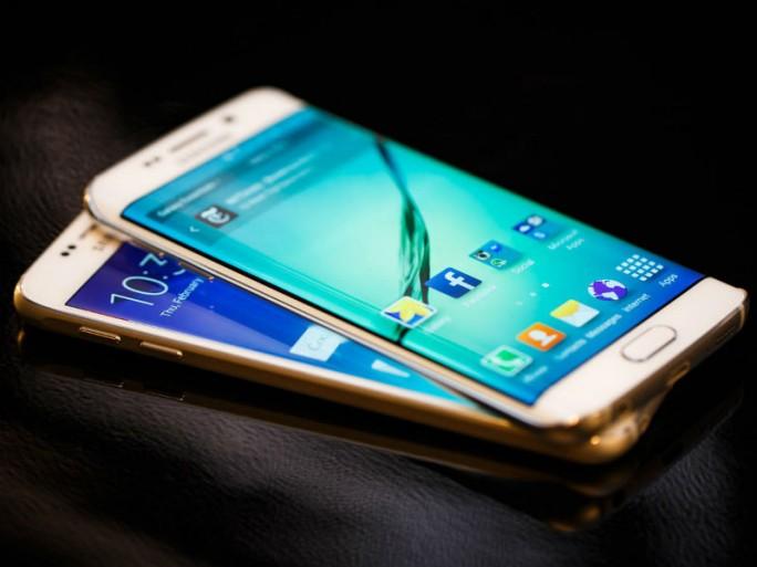Was folgt auf Galaxy S6 und S6 Edge? Die Antwort gibt es wahrscheinlich zur IFA im September (Bild: Josh P. Miller/CNET).