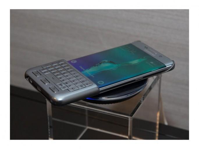 Samsung Galaxy S5 Edge+ mit Tastatur (BIld: CNET)