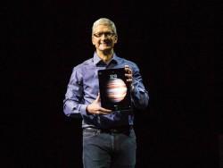 CEO Tim Cook präsentiert das iPad Pro (Bild: ZDNet.com).