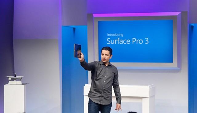 Panos Panay mit Surface Pro 3 (Bild: Microsoft)