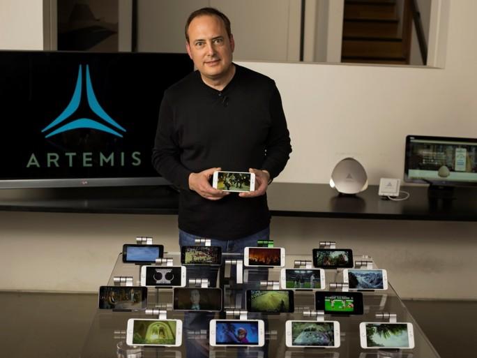 Artemis-CEO Steve Perlman demonstriert die pCell-Technik (Bild: Artemis).