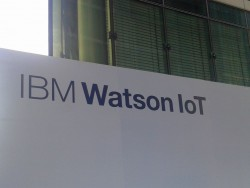 Eingang zum neuen IBM-Büro in München (Bild: Peter Marwan)