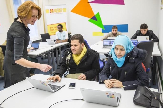 Project Reconnect soll Flüchtlingen Zugang zu Bildungs-, Hilfs- und Informationsangeboten im Netz ermöglichen (Bild: Google.org).