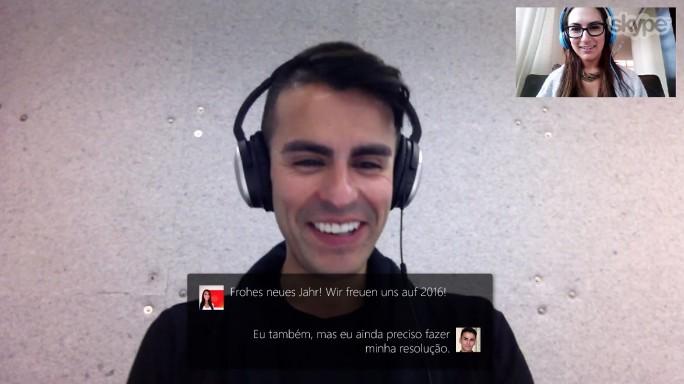 Bei aktiver Übersetzungsfunktion wird in Skype das vom Gegenüber in seiner Sprache Gesagte in der eigenen als Untertitel eingeblendet (Screenshot: Microsoft).