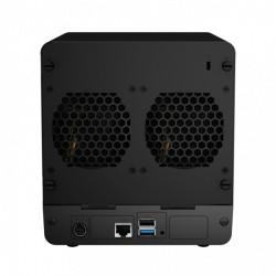 Auf der Rückseite finden sich zwei 8-Zentimeter-Lüfter, je ein USB-2.0- und USB-3.0-Port sowie ein Gigabit-Ethernet-Anschluss (Bild: Synology).