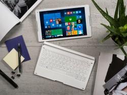 Das Alcatel Plus 10 lässt sich als Tablet oder Notebook nutzen (Bild: Alcatel).