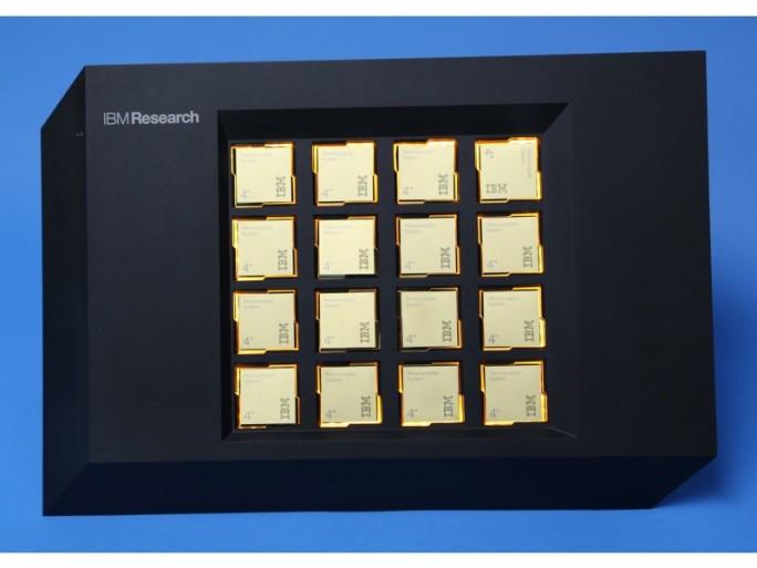 16 fürs LLNL bestimmte TrueNorth-Chips (Bild: IBM)