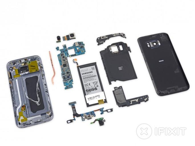 iFixit hat das Samsung Galaxy S7 zerlegt (Bild: iFixit).