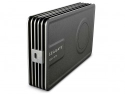 Die Seagate Innov8 kommt als erste 3,5-Zoll-Festplatte allein mit der Stromversorgung über USB 3.1 aus (Bild: Seagate).