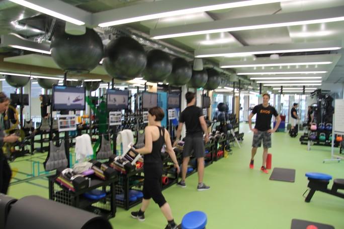 ... oder Entspannung im eigenen Fitness-Studio... (Bild: Silicon.de)