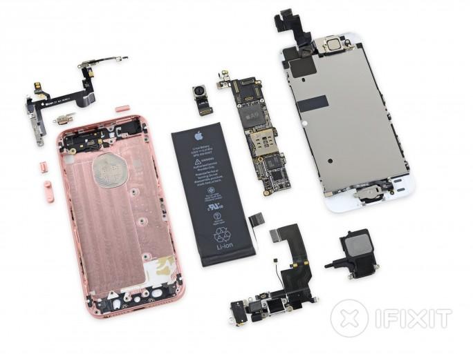 iPhone SE zerlegt (Bild: iFixit)