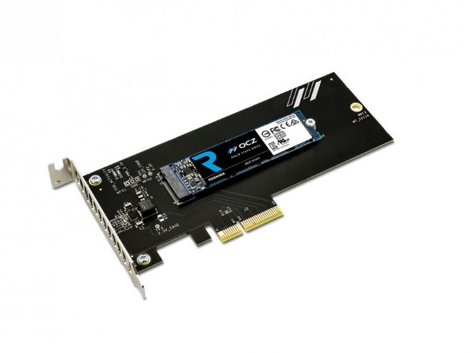 Toshiba OCZ RD400 mit PCI-E-3.0-Adapter (Bild: Toshiba)