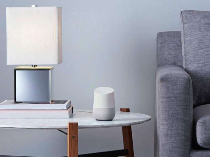 Der sprachgesteuerte Heimassistent Google Home soll Nutzer im Alltag unterstützen (Bild: Google).