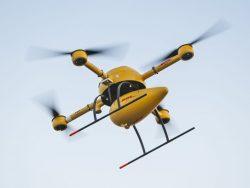 """In Deutschland hat sich bislang vor allem DHL bei der Erprobung von Drohnen - den sogennanten """"DHL Paketkoptern"""" - hervorgetan (Bild: DHL)"""