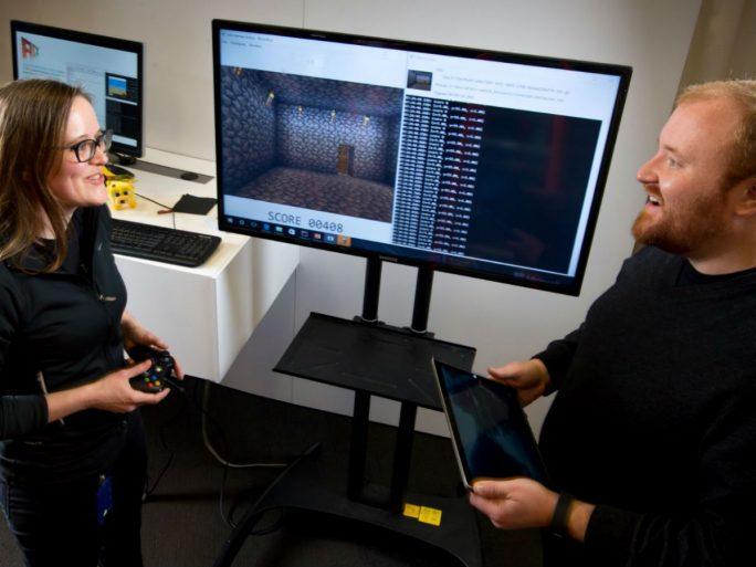 Laut Forschungsleiterin Katja Hofmann und ihrem Kollegen Matthew Johnson soll Project Malmo die allgemeine KI-Forschung vorantreiben (Bild: Scot Eklund/ Red Box Pictures).