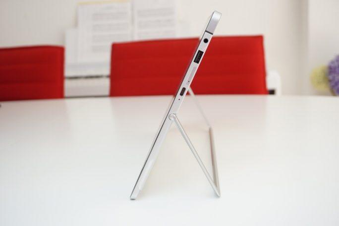 HP Elite x2 aufgestellt (Bild: ZDNet.de)