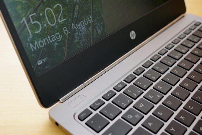 Oberhalb der Tastatur wird es schon mal heiß (Bild: ZDNet).