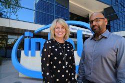 EVP Diane Bryant von Intel und Nervana-CEO Naveen Rao (Bild: Intel)