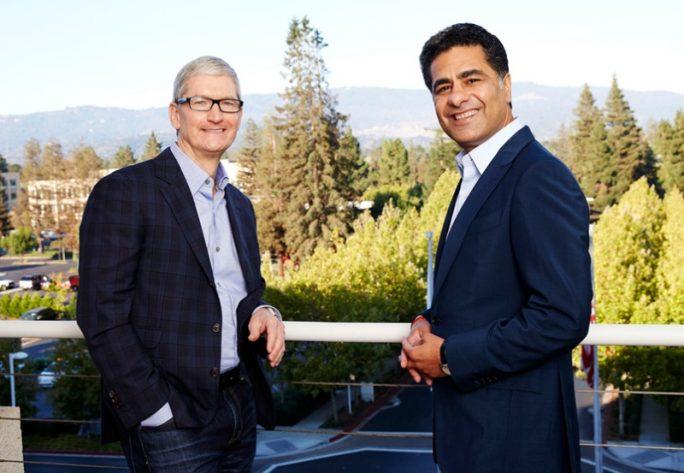 Die CEOs Tim Cook von Apple und Punit Renjen von Deloitte (Bild: Apple)