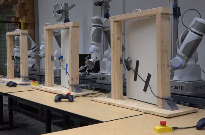 Einsatz von Roboterarmen im Labor (Bild: Google)