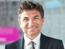 Dr. Ferri Abolhassan, der Autor dieses Gastbeitrags für ZDNet, ist Geschäftsführer Service Transformation und verantwortlich für Telekom Security (Bild: DTAG)