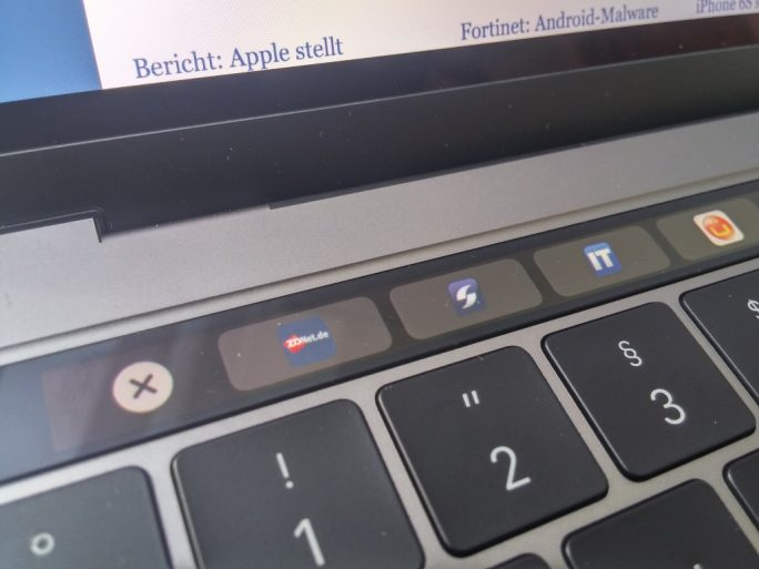MacBookPro mit Touch Bar (Bild: ZDNet.de)