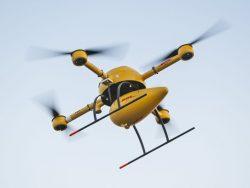 """In Deutschland hat bislang vor allem DHL mit seinen """"Paketkoptern"""" genannten Drohnen die Frachtbeförderung erprobt (Bild: DHL)."""