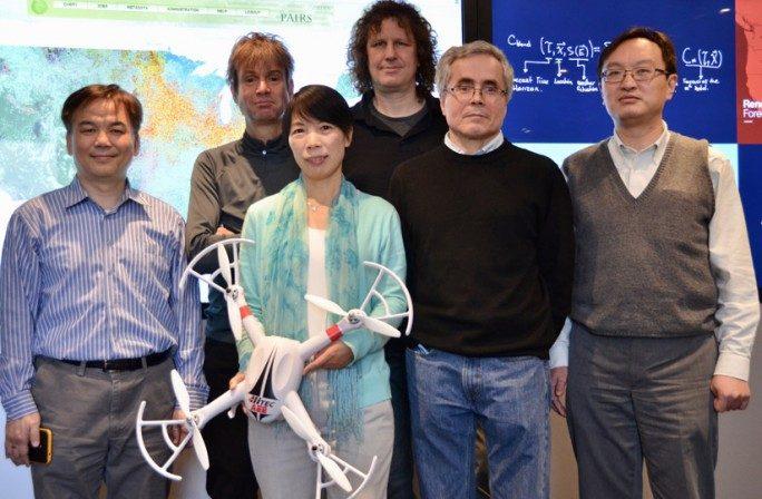 Die IBM-Makroskopen bauen eine Plattform für das Sammeln, Kuratieren, Suchen und Auswerten von globalen Daten: Rong Chang, Hendrik Hamman, Xiaoyan Shao, Marcus Freitag, Ildar Khabibrakhmanov, Siyuan Lu. (Bild: IBM Research)