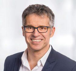 """""""Viele suchen hin und wieder bewusst Abstand vom Digitalen, meist vergeblich"""", sagt Bitkom-Hauptgeschäftsführer Bernhard Rohleder (Bild: Bitkom)."""