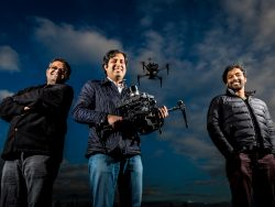 Shital Shah, Ashish Kapoor and Debadeepta Dey des Microsoft AIRO-Teams  (Bild: Scott Eklund/Red Box Pictures)