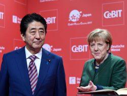 Shinzo Abe und Angela Merkel bei der CeBIT-Eröffnung 2017. (Bild: Deutsche Messe AG)