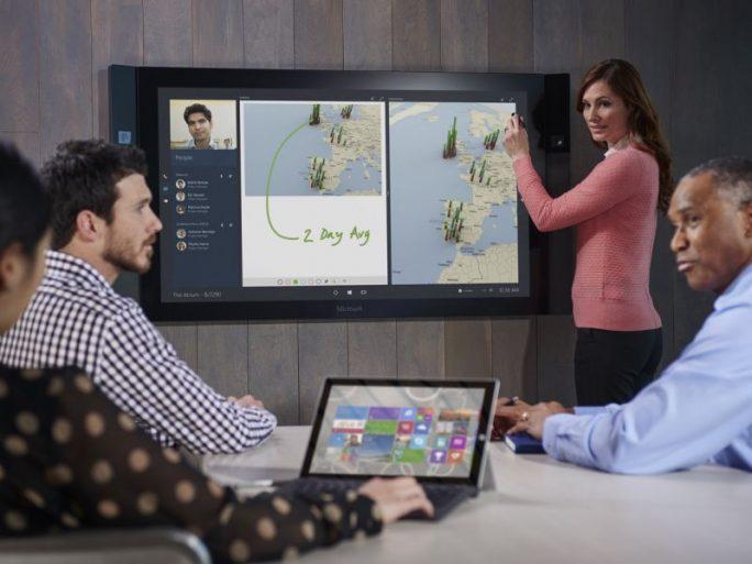 Mit dem Jamboard tritt Google vor allem in Konkurrenz zum Surface Hub von Microsoft (Bild: Microsoft).
