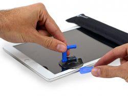 iFixit hat auch das neue iPad mit 9,7-Zoll-Retina-Display zerlegt (Bild: iFixit).