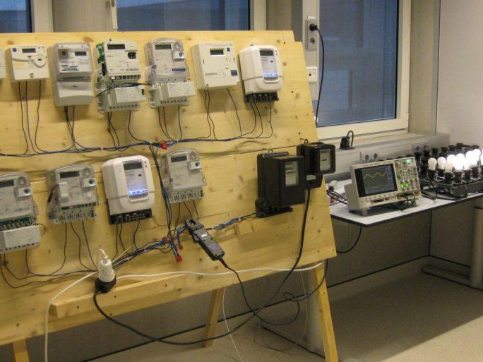 Eine Studie der Uni Twente bescheinigt elektronischen Energiemessgeräten erhebliche Ungenauigkeiten (Bild: University of Twente).