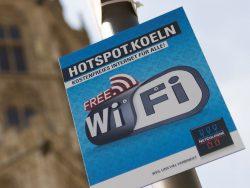 Aufgrund der Störerhaftung wurde die Einrichtung kostenloser WLAN-Hotspots bisher vor allem von Telekommunikationsanbietern wie hier in Köln Netcologne vorangetrieben, die ihr nicht unterlagen (Bild: Netcologne).