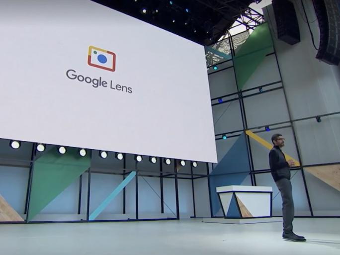 Sundar Pichai erläutert Google Lens (Screenshot: ZDNet.de).