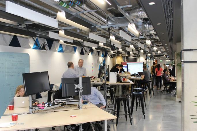 Der Bereich für die gemeinsame Entwicklung mit dem Kunden im neuen Open Innovation Lab von Red Hat in London. (Bild: M. Schindler)