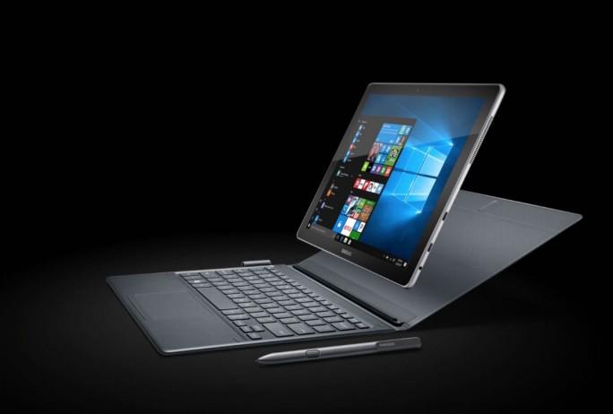 Das Samsung Galaxy Book mit 10,6 Zoll wird von Intel Core-m3-Dualcore-Prozessor der 7. Generation angetrieben, die 12-Zoll-Ausführung von einem Core-i5-Dualcore-Prozessor der 7. Generation. (Bild: Samsung)