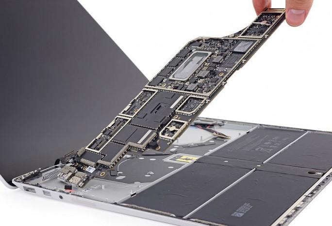 Surface Laptop (Bild: iFixit)