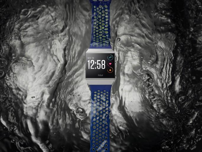 Fitbit Ionic (Bild: Fitbit)