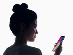 Das iPhone X lässt sich per Face ID mit dem Gesicht entsperren (Bild: Apple).