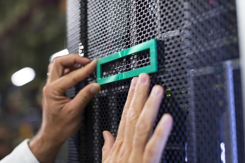 Dezember-Aktion: HPE-Server und Storage-Systeme für KMUs im Angebot