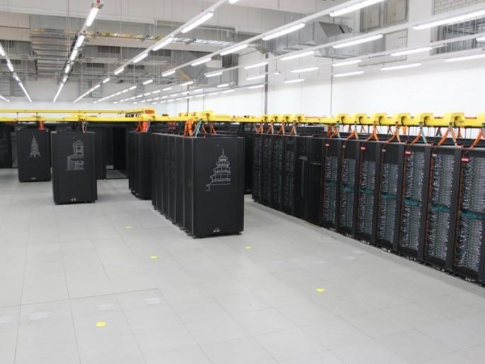 Vorgänger SuperMUC in der Ausbauphase 2, die 2015 in Betrieb ging (Bild: ZDNet.de)