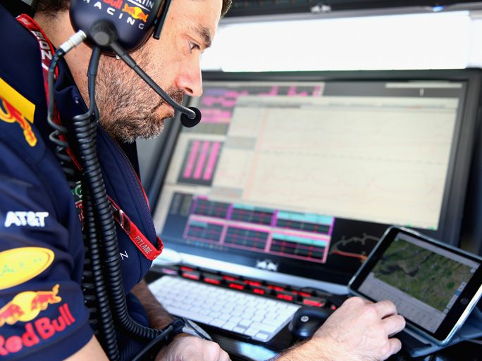 IBM-Partnerschaft mit Aston Martin Red Bull Racing und The Weather Company (Bild: IBM)