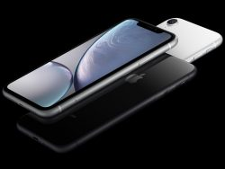 iPhone XR in Schwarz (Bild: Apple)
